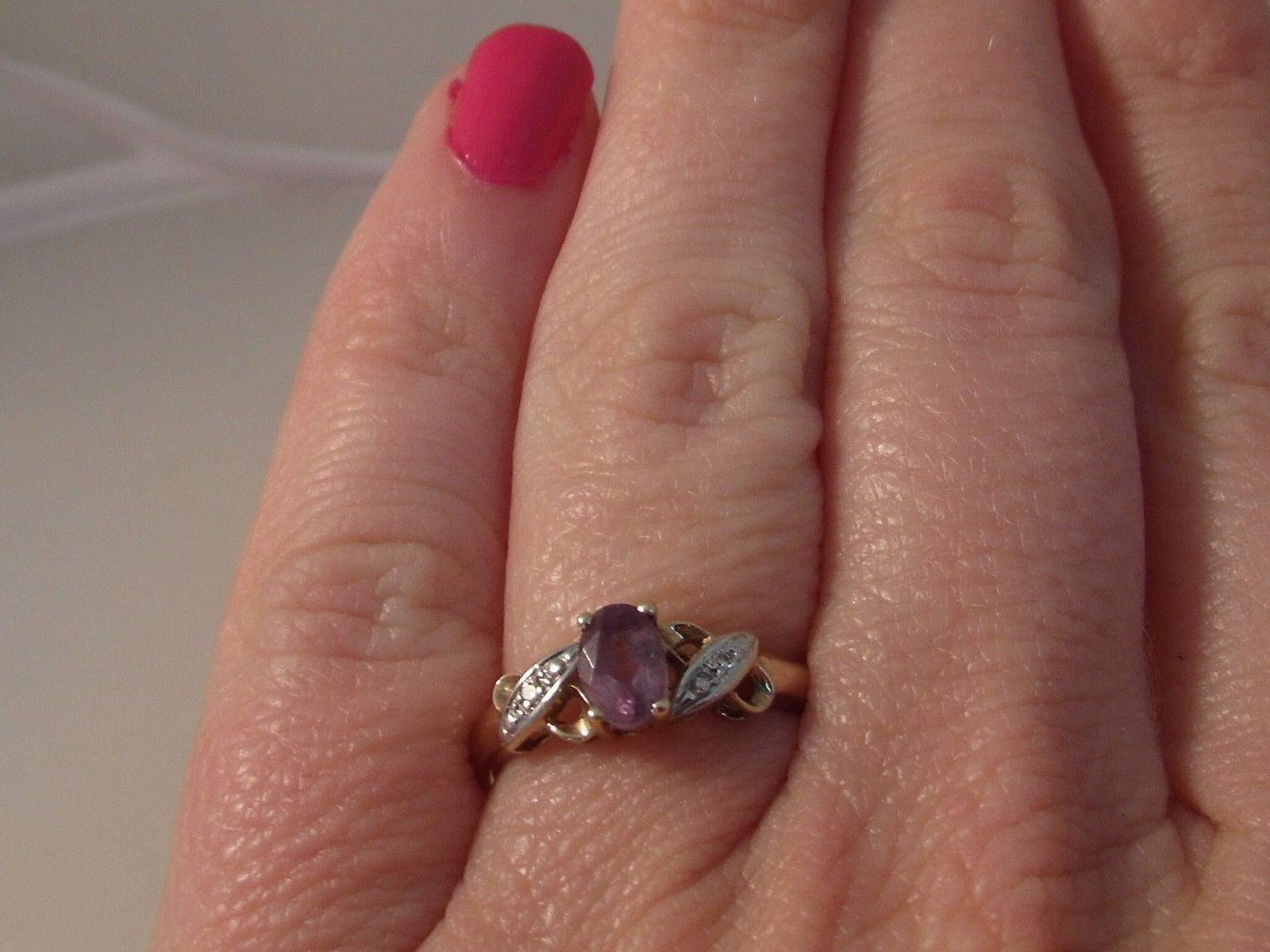 761F LADIES 9CT GOLD AMETHYST AND DIAMOND SOLITAIRE WITH ACCENTS